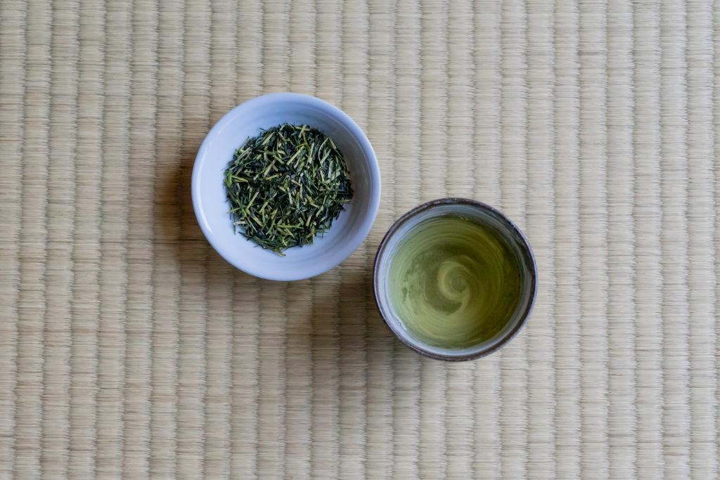 若草園の茎茶かりがねと茶葉