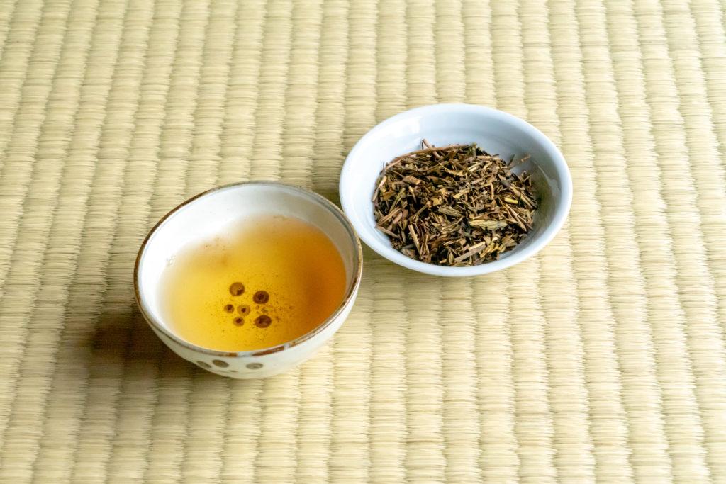 こがねほうじ茶と茶葉