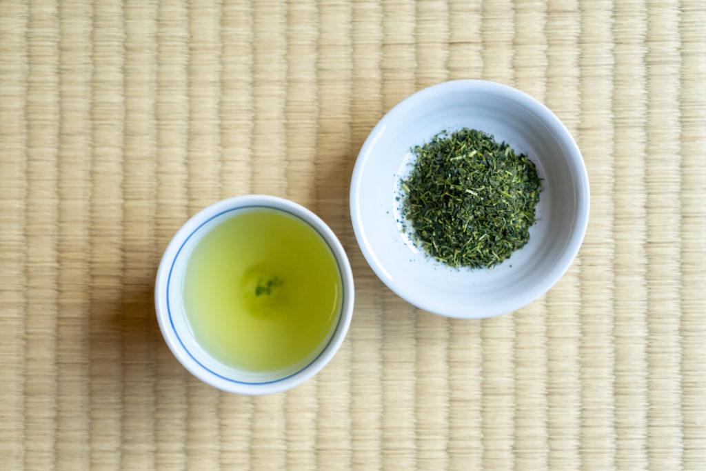 粉茶と茶葉