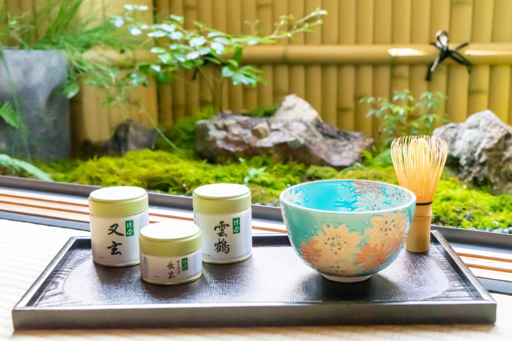 丸久小山園の抹茶と和室